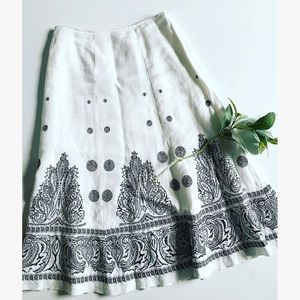 Nygard White Linen Skirt With Black Embroidery
